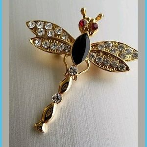 Very cute dragonfly pin